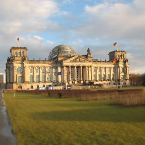 """<a href=""""https://de.wikipedia.org/wiki/Reichstagsgebäude"""">der Reichstag, Berlin</a>"""