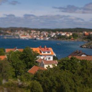 """<a href=""""https://de.wikipedia.org/wiki/Fiskebäckskil"""">Fiskebäckskil auf der Insel Skaftö, Schweden</a>"""