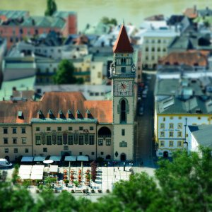 "<a href=""https://de.wikipedia.org/wiki/Passau"">Rathaus in Passau</a>"